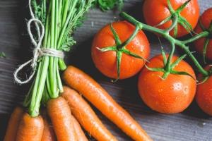 CarrotsAndTomatoes-1024x683